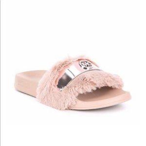 NEW🏷Michael Kors Soft pink Faux fur Jett slide 9